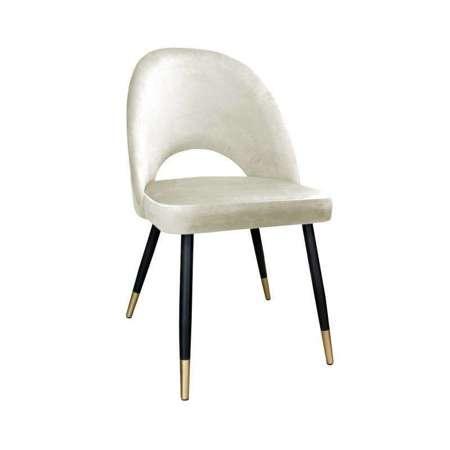 Tapicerowane krzesło LUNA w kolorze kości słoniowej materiał MG-50 ze złotą nóżką